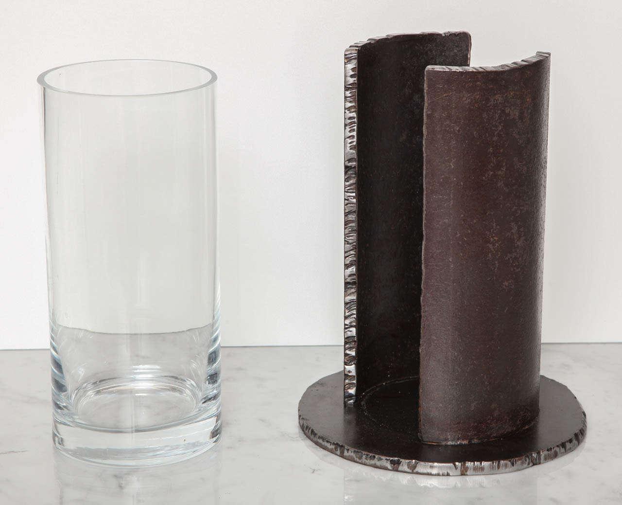 Bernar VENET Vase